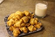 finalCroissantsAndMilk