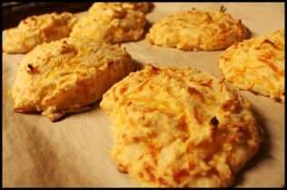 Rip off Cheddar Bay Biscuits by Damn Delicious