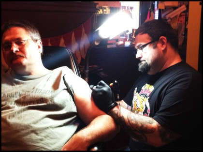 Chuck getting worked on by Robert Jarrett at 2 Ton Gallery in Kingsport, TN