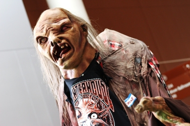Standing at about 10 feet tall, Cletus was frightening and delighting everyone in Nashville!